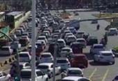 Carro quebrado, obra e fluxo de veículos causam lentidão na LIP | Foto: