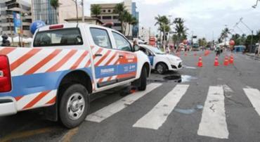 Ação visa inibir o desrespeito por motoristas e melhorar a fluidez do tráfego na área - Foto: Agência A Tarde