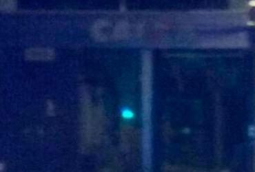 Bandidos explodem caixa eletrônico em Lauro de Freitas