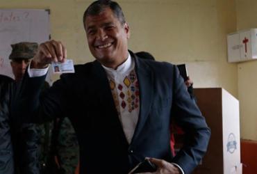 Equatorianos vão às urnas neste domingo para eleger presidente