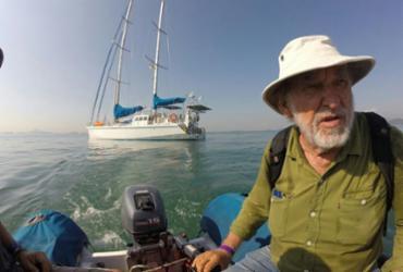 Navegador Aleixo Belov e sua tripulação chegam a Galápagos
