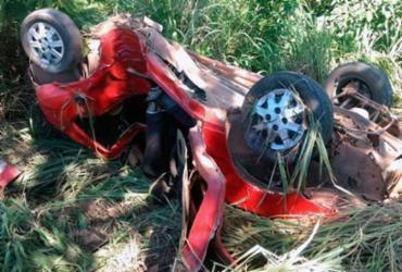 Sem habilitação, homem sofre grave acidente com o carro e sobrevive