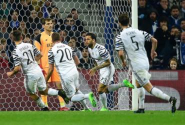 Brasileiro do Porto é expulso, Juventus vence fora de casa e encaminha vaga