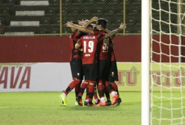 Vitória bate o Bragantino e avança na Copa do Brasil