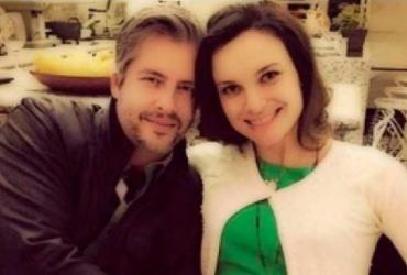 Cantor Victor é acusado de agredir com chutes a esposa grávida