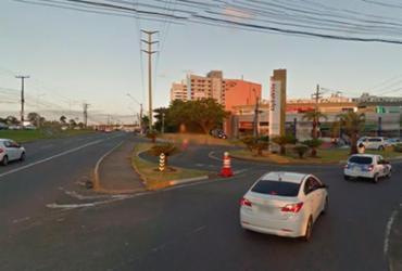 Motociclista morre em colisão com ônibus na avenida Paralela