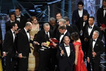 Responsável por envelopes tuitava no final da cerimônia do Oscar
