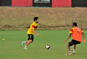 Lateral Norberto é vetado e está fora do jogo contra o Botafogo-PB