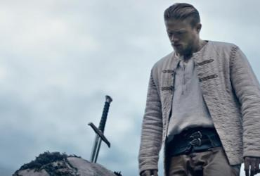 Rei Arthur: A Lenda da Espada ganha trailer; confira
