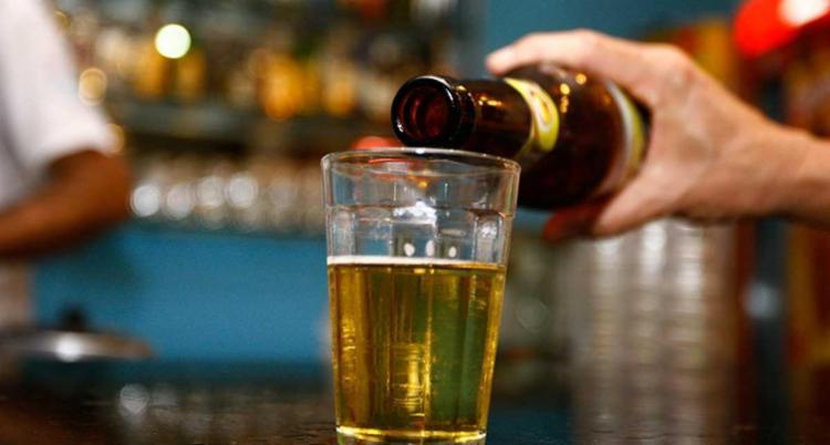A lata ou garrafa de cerveja têm 55,6% de tributos - Foto: Joá Souza | Ag. A TARDE