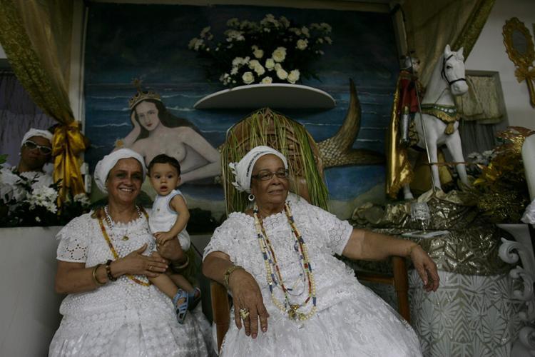 Mãe Carmen (dir.) é a sucessora de Mãe Menininha - Foto: Lúcio Távora l Ag. A TARDE