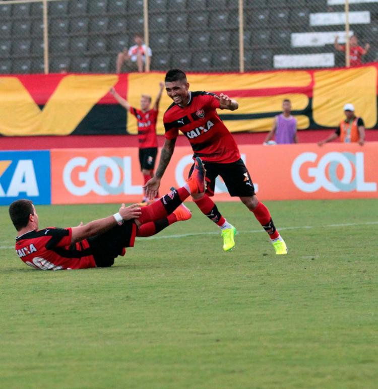 Kieza e André Lima marcaram os gols da partida deste sábado, 11, pelo Vitória - Foto: Adilton Venegeroles | Ag. A TARDE