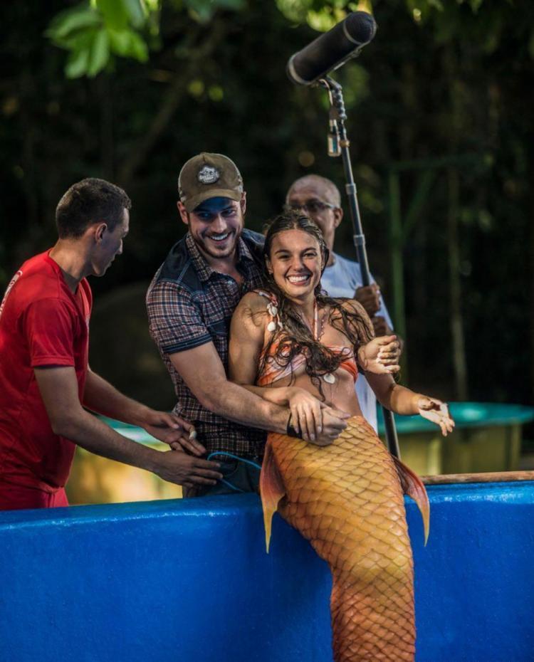 Em Belém, a atriz gravou cenas embaixo d'água e no mercado Ver-o-Peso - Foto: Reprodução   GShow