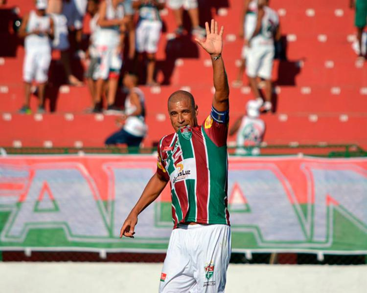 Jorge Wagner marcou contra o Galícia seu 1º gol pelo Touro - Foto: Flu de Feira   Divulgação