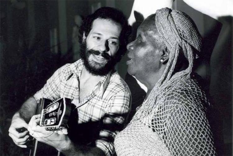 Encontro de Clementina de Jesus e João Bosco no Projeto Pinxuiguinha, da Funarte, que circulou show de duplas de artistas populares pelo país - Foto: Arquivo l Funarte