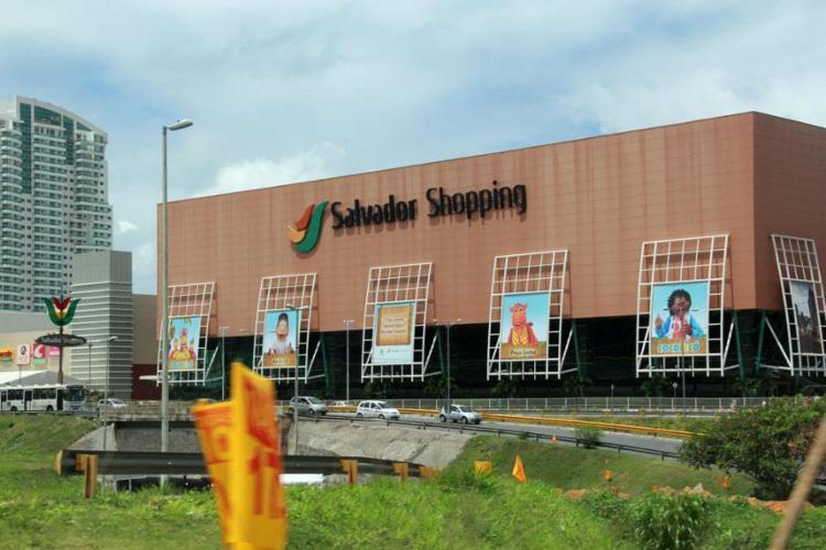 Vagas são para as lojas no Salvador Shopping (foto) e Shopping Barra - Foto: Joá Souza | Ag. A Tarde | 03/10/2012