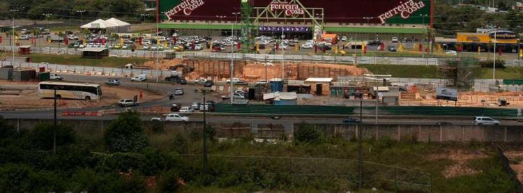 Interdição acontece devido a construção de um viaduto - Foto: Luciano da Matta | Ag. A Tarde