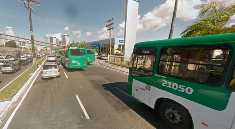 O policial morreu próximo à concessionária Grande Bahia, em Pernambués - Foto: Reprodução   Google Maps