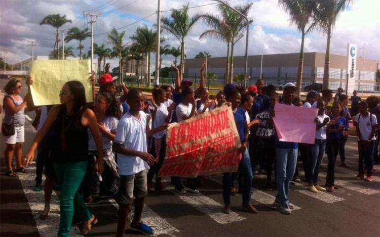 Manifestação afetou trânsito na avenida Orlando Gomes - Foto: Foto do Leitor | Via WhatsApp