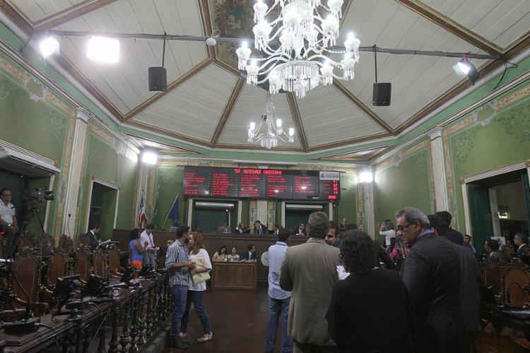 Plenário da Câmara foi palco, nesta terça-feira, 14, de sessão para debater aplicativo de transporte na capital - Foto: Lúcio Távora l Ag. A TARDE