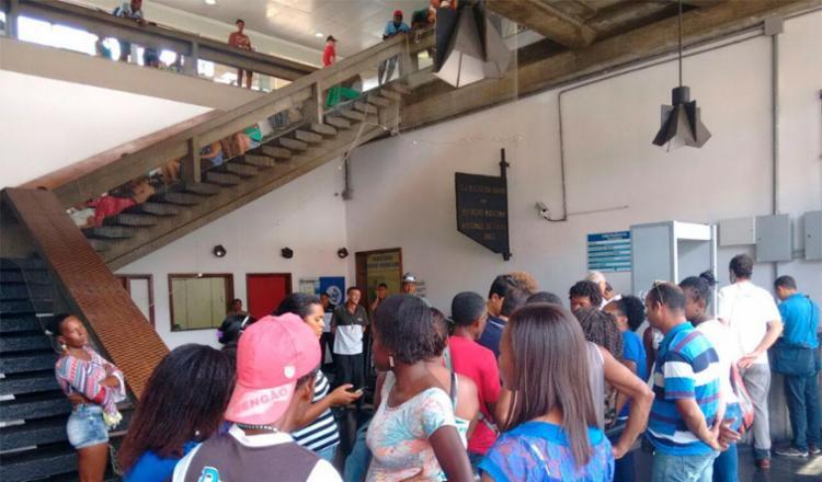 Grupo disse que não tem previsão para deixar o local - Foto: Edilson Lima | Ag. A TARDE