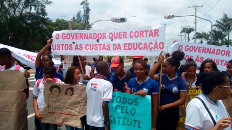 A escola tem fechamento previsto para 2018, segundo a coordenadora do colégio - Foto: Raul Spinassé | Ag. A TARDE