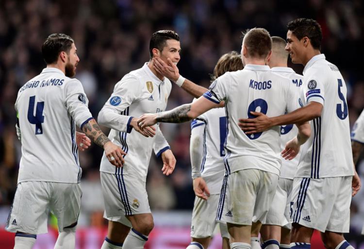 Jogadores comemoram virada diante do Napoli - Foto: Javier Soriano | AFP