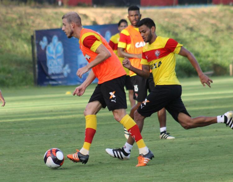 Uillian se firmou como volante titular do Vitória - Foto: Mauricia da Matta | EC Vitória