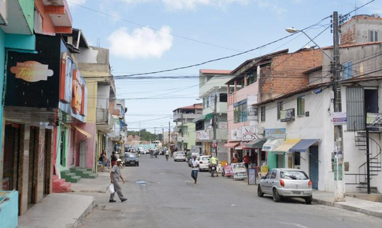 Cláudio, 52, tomava café quando foi morto. Até as 17h30, nenhum suspeito havia sido preso ou identificado - Foto: Edilson Lima | Ag. A TARDE