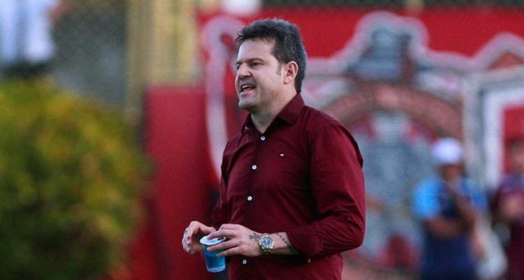 O principal dilema talvez esteja entre os destaques no meio de campo, o argentino Jesús Dátolo e Cleiton Xavier. - Foto: Adilton Venegeroles | Ag. A Tarde