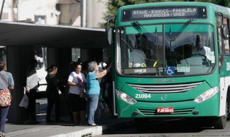 Até o momento, mais de 6 milhões de pessoas já utilizaram os transportes públicos no Carnaval - Foto: Joá Souza | Ag. A TARDE