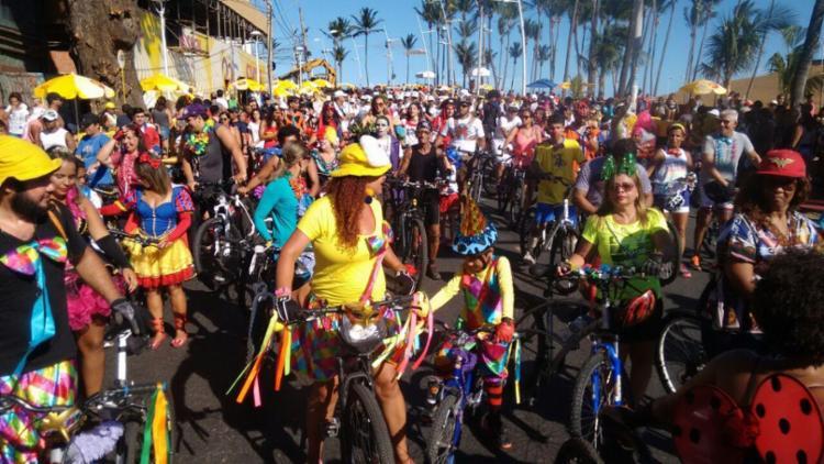 Ciclistas fantasiados no grupo Salvador vai de Bike - Foto: Luciano da Matta | Ag. A TARDE
