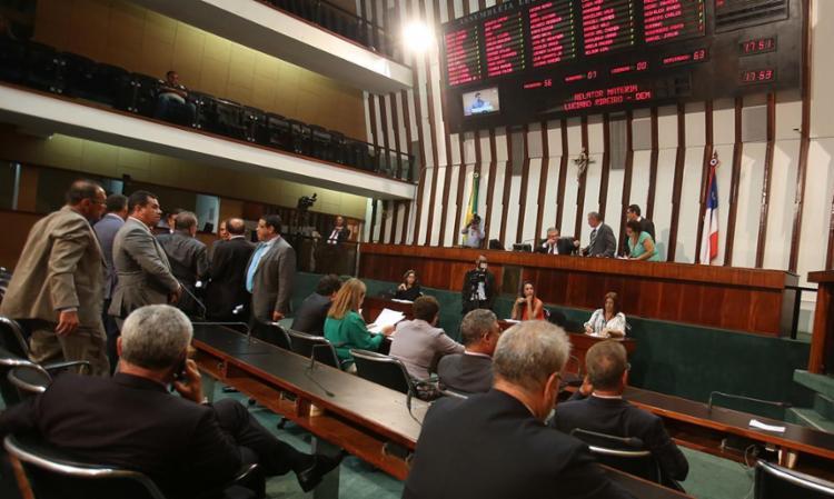 Sessão foi curta nesta segunda-feira na Assembleia - Foto: Joá Souza | Ag. A TARDE 15.02.2017