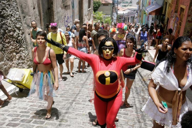 Ladeira virou ponto de encontro de seres mitológicos, heróis e outros personagens - Foto: Luciano da Matta   Ag. A TARDE