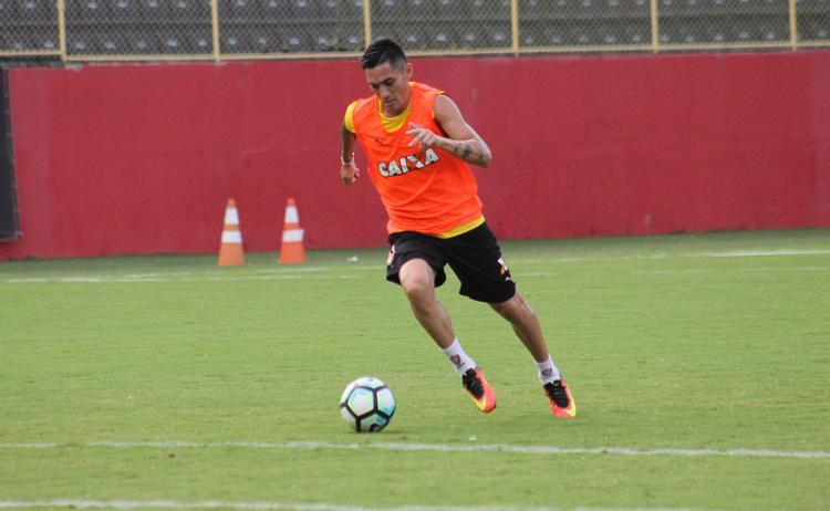 Pineda terá mais uma chance de iniciar uma partida como titular - Foto: Maurícia da Matta l Divulgação