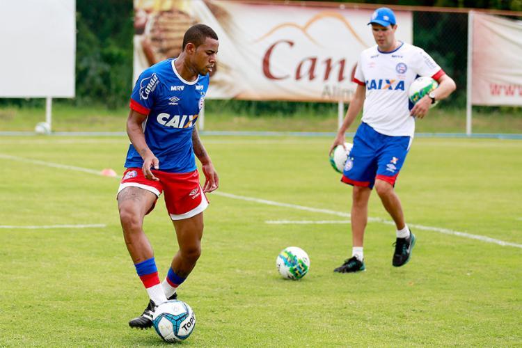 Garoto de 22 anos chegou para ser sombra de Hernane, e já pressiona titularidade do Brocador - Foto: Felipe Oliveira l EC Bahia