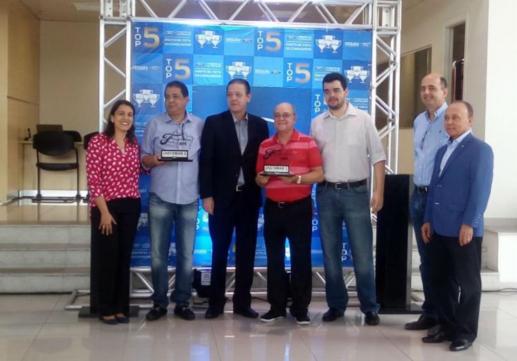 Diretores do grupo Indiana recebem prêmio Chairman's Award - Foto: Lívia Oliveira | Ag. A Tarde
