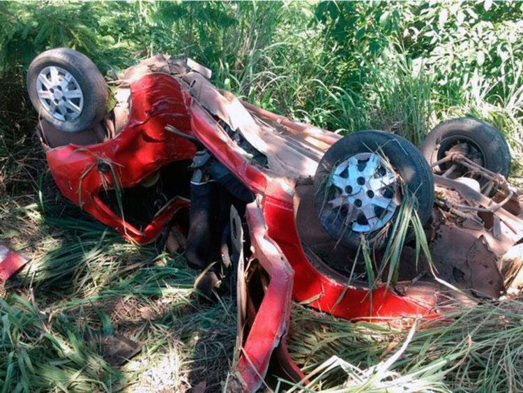 Carro ficou completamente destruído após acidente - Foto: Reprodução   Blog do Sigi Vilares