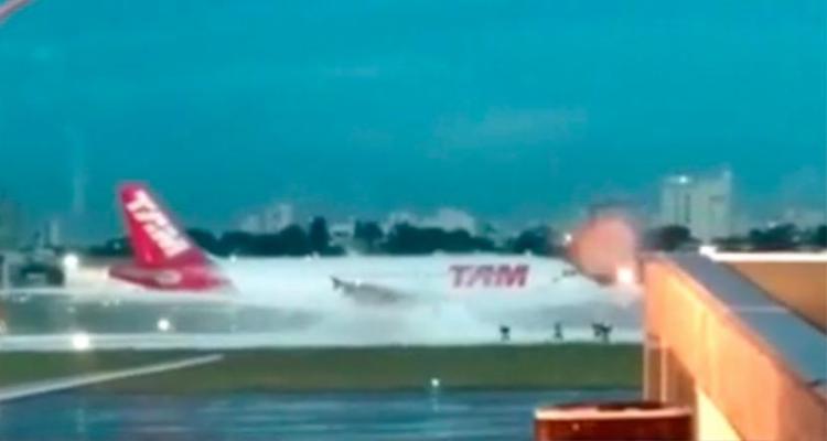 Avião seguiria para Belo Horizonte quando decolagem foi cancelada - Foto: Reprodução