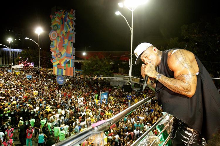 Leo Santana fez a festa da pipoca no Centro nesta quinta-feira, 23 - Foto: Margarida Neide l Ag. A TARDE