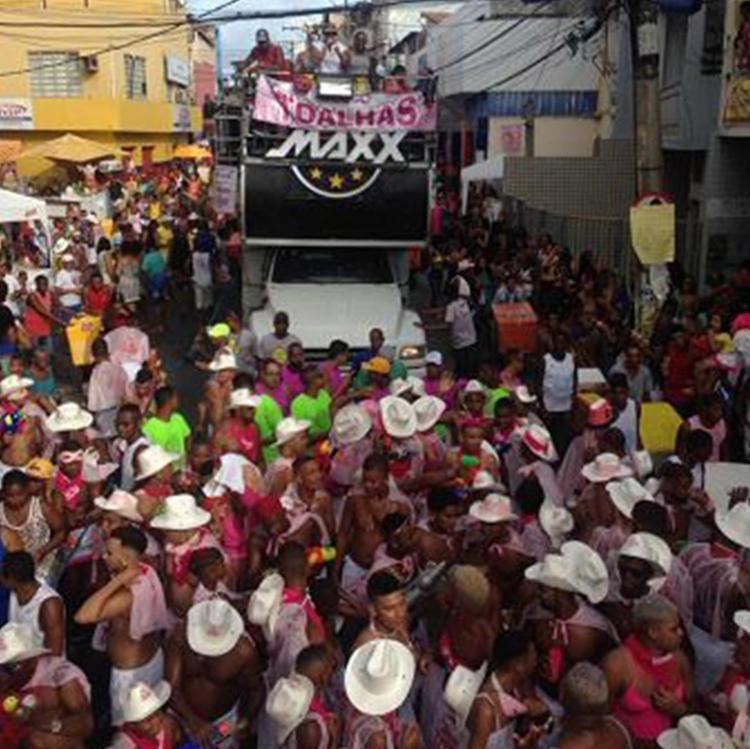 Alguns moradores abrem mão dos circuitos tradicionais para ficar no bairro - Foto: Aina Soledá l Ag. A TARDE