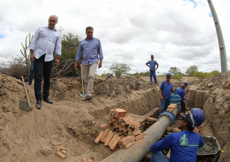 Rui Costa visitou intervenções que estão sendo realizadas nos municípios - Foto: Manu Dias l Gov-BA