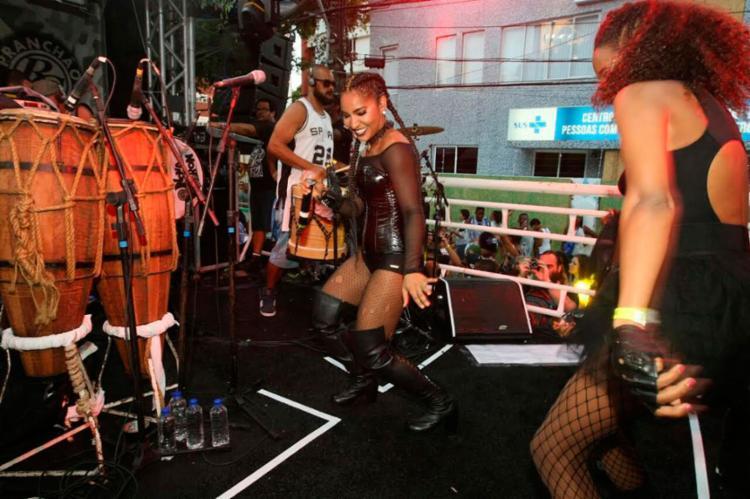 A atração animou os foliões que acompanharam o trio - Foto: Daniele Rodrigues | GOVBA