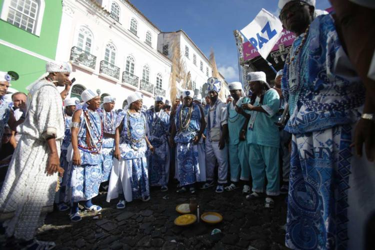 Hora do padê: oferendas para Exu no Pelourinho - Foto: Raul Spinassé | Ag. A TARDE