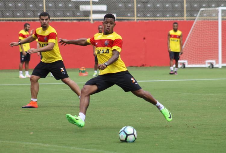 David treinou normalmente com o elenco do Leão nesta terça - Foto: Maurícia da Matta | EC Vitória