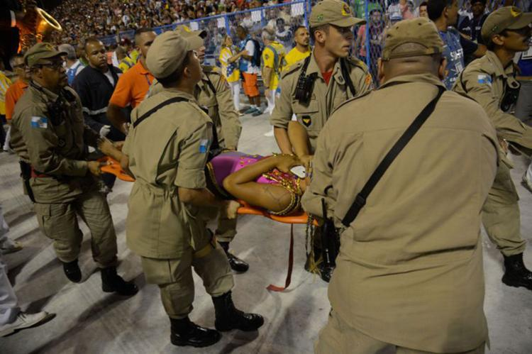 Doze pessoas ficaram feridas com o acidente - Foto: Fernando Frazão | Agência Brasil