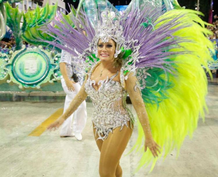 Atriz participou do desfile da escola de samba da Grande Rio - Foto: Reprodução   Instagram