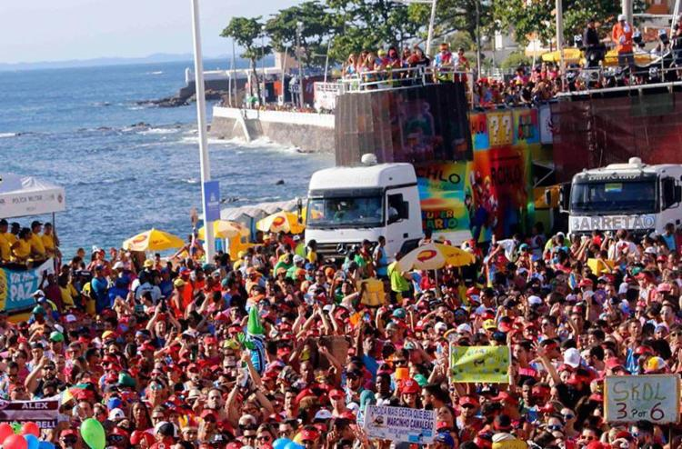 Foliões disseram para pesquisa que Carnaval de Salvador ainda é considerado único - Foto: Alfredo Filho | Angelo Pontes | Secom PMS