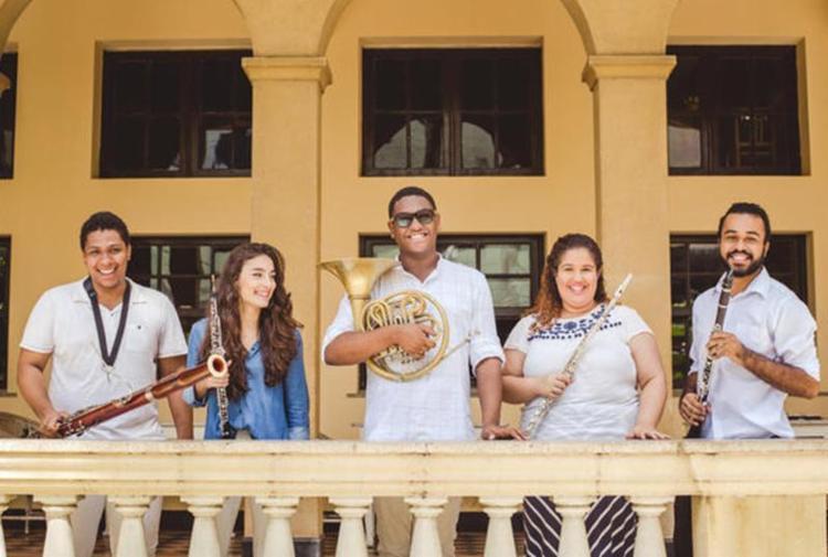 O grupo Wood Tropicales se apresenta nesta sexta-feira, 3, na Barra - Foto: Taylla de Paula | Divulgação
