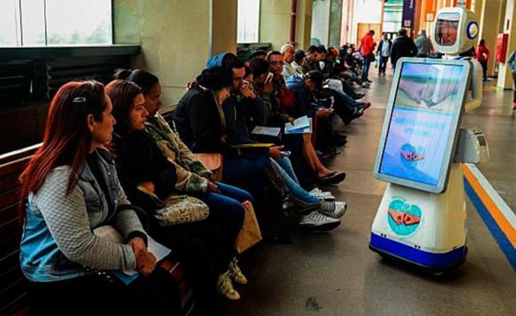Campanha Força Amiga disponibiliza robôs interativos que compartilham mensagens de conscientização - Foto: Rovena Rosa | Agência Brasil